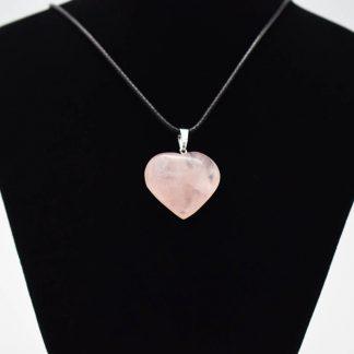 Colgante de Corazón de Cuarzo Rosa en Bisutería