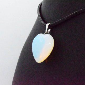 Colgante de Corazón de Opalina en Bisutería