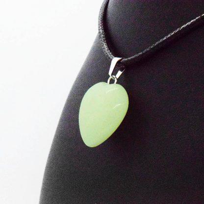 Colgante de Corazón de Jade en Bisutería