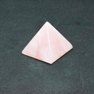 Piramide de cuarzo rosa