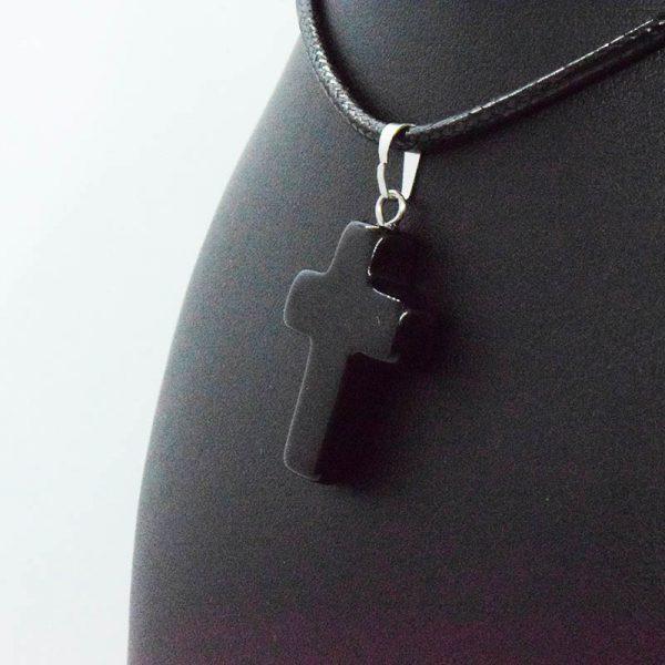 Colgante de Cruz de Obsidiana Negra en Bisutería