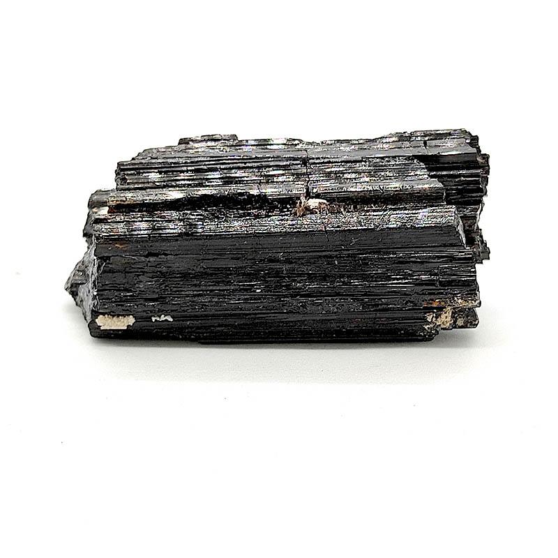 Turmalina negra en bruto